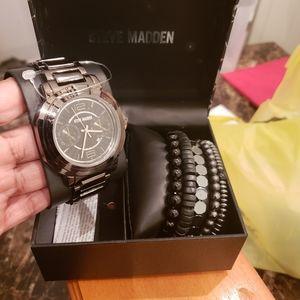Gorgeous NWT Steve Madden Watch & Bracelets